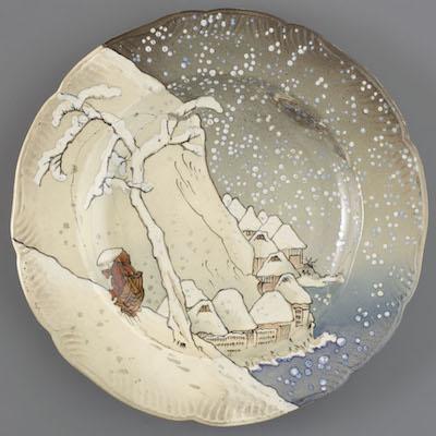 アンリ・ランベール、ウジェーヌ・ルソー クレイユ・エ・モントロー窯、ルブッフ&ミリエ社《皿 「ランベール=ルソー」セット》1873-75 年 ファイアンス焼、印刷、彩色 オルセー美術館蔵<br /> Photo © Musée d'Orsay, Dist. RMN-Grand Palais / Patrice Schmidt / distributed by AMF
